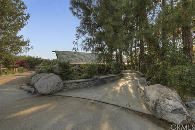 10866 Wimer Country Road, Shadow Hills, CA 91040 (#BB20216398) :: eXp Realty of California Inc.