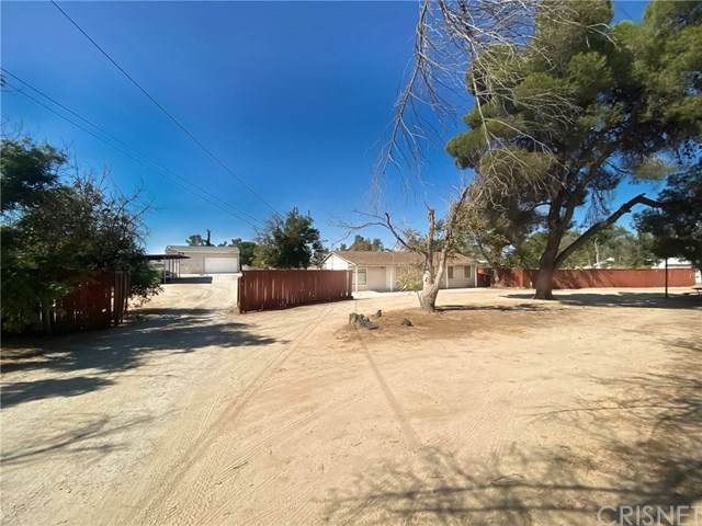 42637 20th Street W, Lancaster, CA 93534 (#SR20217030) :: The Results Group