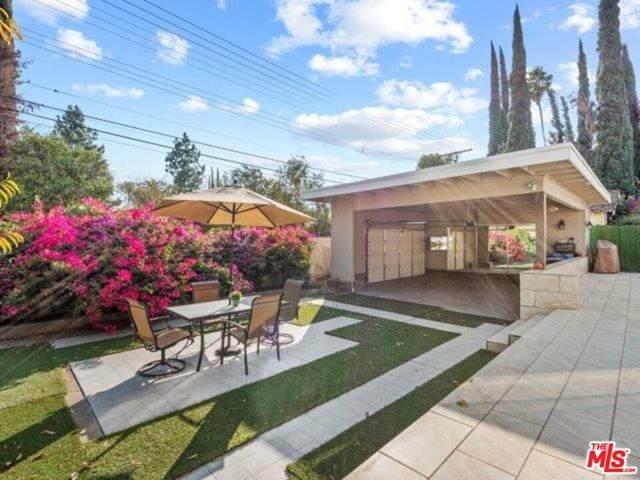 23830 Vanowen Street, West Hills, CA 91307 (#20643192) :: TeamRobinson | RE/MAX One