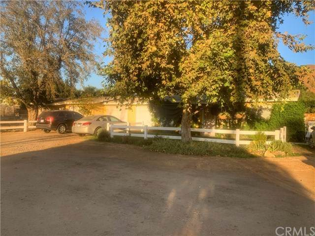 431 7th Street, Norco, CA 92860 (#IV20217317) :: Arzuman Brothers