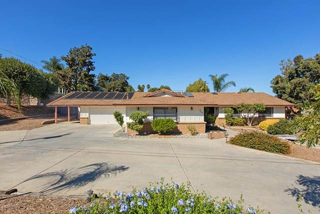 225 Deddie Ter, Fallbrook, CA 92028 (#200048718) :: TeamRobinson | RE/MAX One
