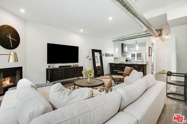 10926 Moorpark Street #18, North Hollywood, CA 91602 (#20647500) :: Mainstreet Realtors®