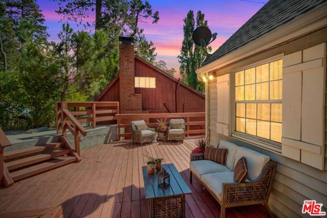 23677 Manzanita Drive, Crestline, CA 92325 (#20647754) :: The Results Group