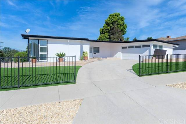 7157 Glasgow Avenue, Los Angeles (City), CA 90045 (#SR20203894) :: Powerhouse Real Estate