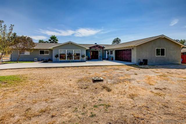 1078 5Th St, Ramona, CA 92065 (#200048898) :: TeamRobinson | RE/MAX One