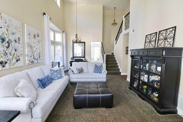 4923 Composition Ct, Oceanside, CA 92057 (#200048959) :: eXp Realty of California Inc.