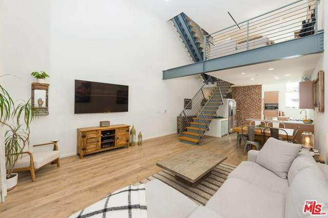 1220 N Orange Grove Avenue #2, West Hollywood, CA 90046 (#20646730) :: Powerhouse Real Estate