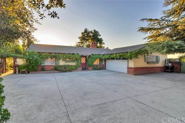 229 Edgemont Drive, Redlands, CA 92373 (#EV20219743) :: Mark Nazzal Real Estate Group