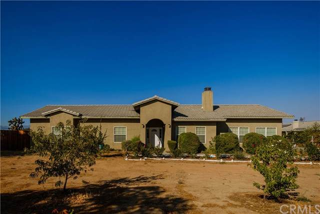 14470 Navajo Road, Apple Valley, CA 92307 (#EV20219895) :: Veronica Encinas Team