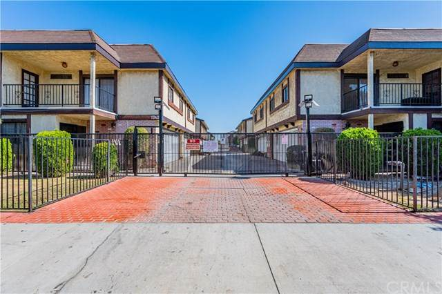 13400 Doty Avenue #16, Hawthorne, CA 90250 (#IN20219994) :: Team Forss Realty Group