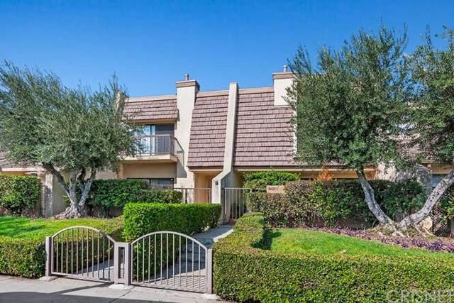 18425 Collins Street D, Tarzana, CA 91356 (#SR20220288) :: The Miller Group