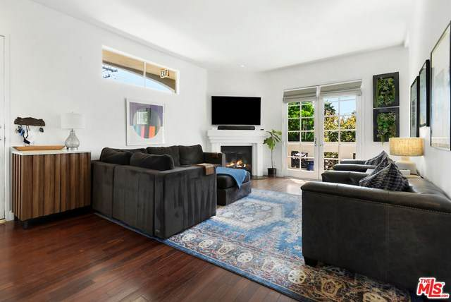 1751 Barry Avenue #4, Los Angeles (City), CA 90025 (#20647592) :: Veronica Encinas Team