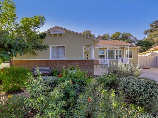 2120 Alona Street, Santa Ana, CA 92706 (#OC20214933) :: Frank Kenny Real Estate Team