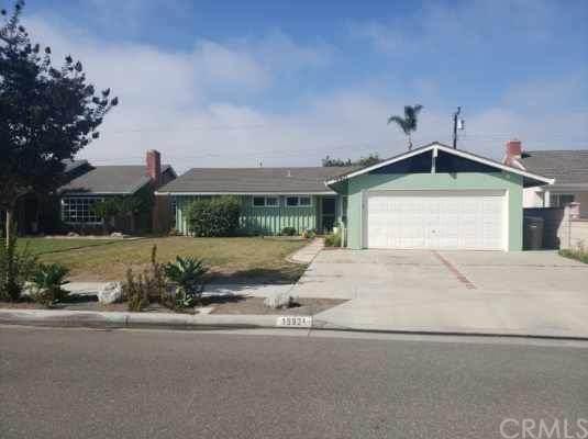 15931 Willett Lane, Huntington Beach, CA 92647 (#PW20220359) :: Frank Kenny Real Estate Team