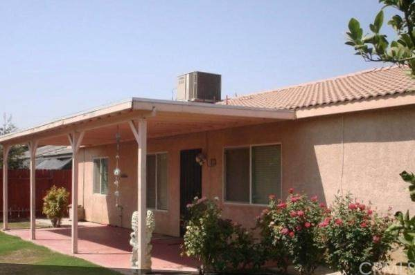 5019 Mar Grande Drive, Bakersfield, CA 93307 (#AR20220729) :: The Houston Team | Compass