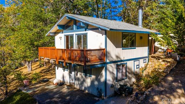 33076 Blue Bird Lane, Arrowbear, CA 92382 (#IG20195508) :: TeamRobinson | RE/MAX One