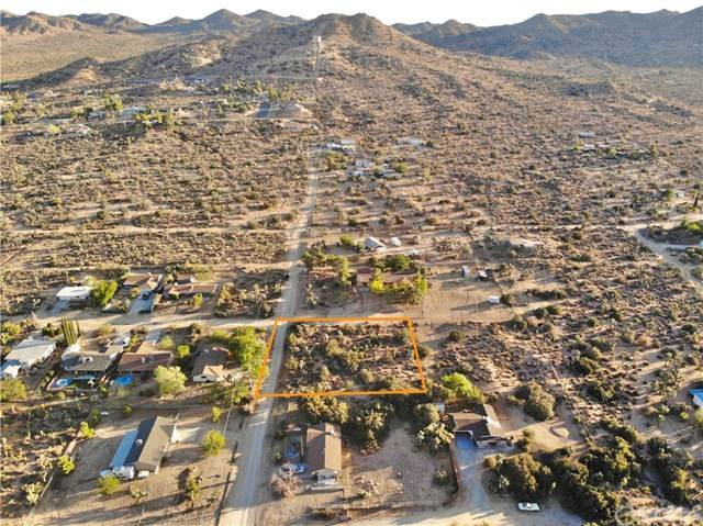 8100 Inca Trail, Yucca Valley, CA 92284 (#JT20221056) :: Mark Nazzal Real Estate Group