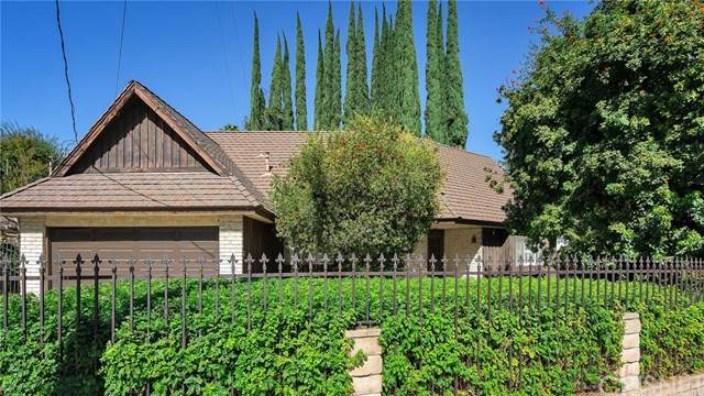 17003 Rancho Street, Encino, CA 91316 (#SR20221770) :: The Veléz Team