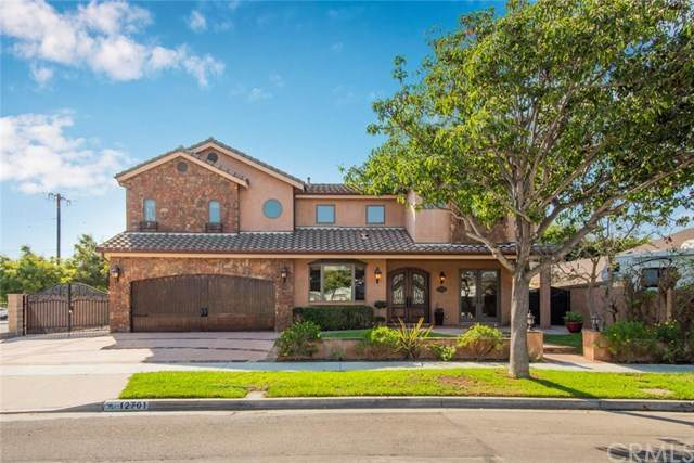 12701 Silver Fox Road, Rossmoor, CA 90720 (#PW20219206) :: Team Forss Realty Group