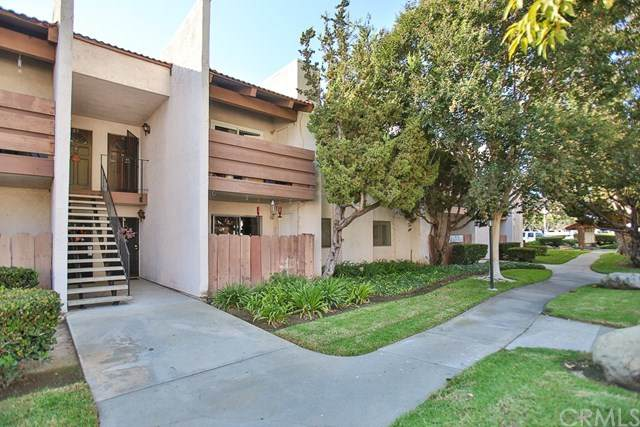 17552 Vandenberg Lane #6, Tustin, CA 92780 (#PW20222180) :: Z Team OC Real Estate