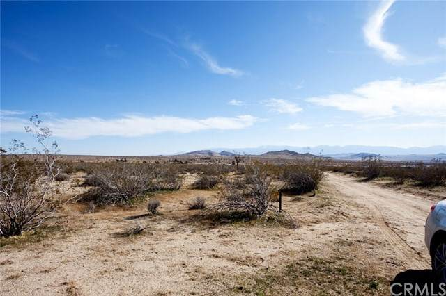 0 170th Street East, Redman, CA 93535 (#OC20222200) :: eXp Realty of California Inc.