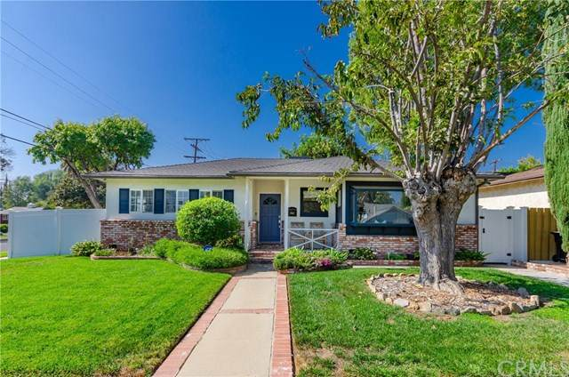 7001 Andasol Avenue, Lake Balboa, CA 91406 (#PW20222470) :: The Parsons Team