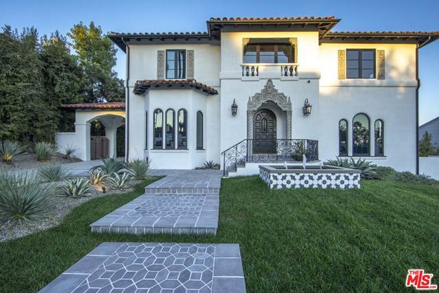 2340 Nottingham Avenue, Los Angeles (City), CA 90027 (#20649910) :: RE/MAX Masters