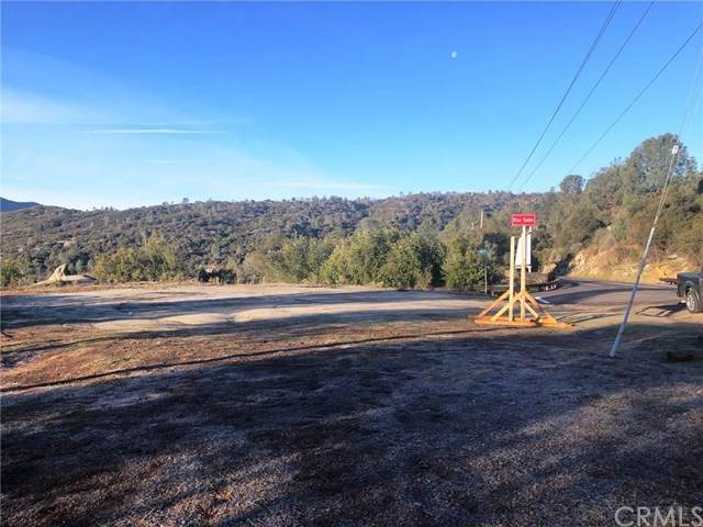 42231 Highway 41, Oakhurst, CA 93644 (#FR20222620) :: TeamRobinson | RE/MAX One