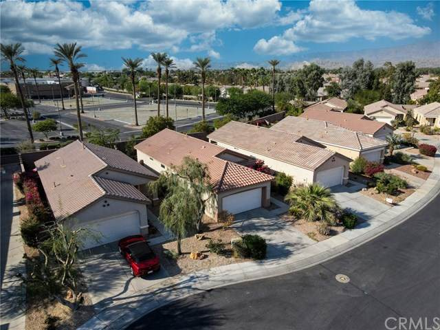 39723 Kent Drive, Palm Desert, CA 92211 (#SW20222679) :: Team Forss Realty Group