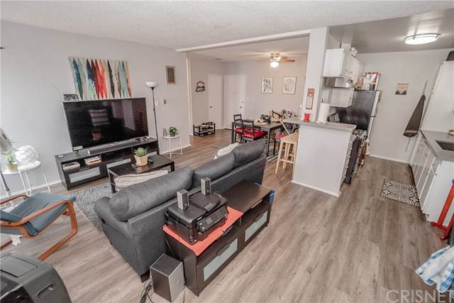 855 Victor Avenue #308, Inglewood, CA 90302 (#SR20222347) :: The Results Group