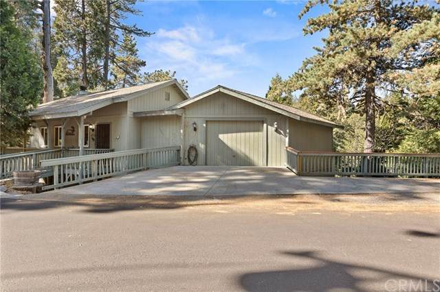 23674 Scenic Drive, Crestline, CA 92325 (#EV20223034) :: RE/MAX Empire Properties