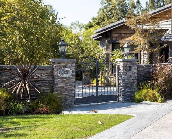 6251 E Fox Glen Drive, Anaheim Hills, CA 92807 (#PW20220919) :: Team Tami