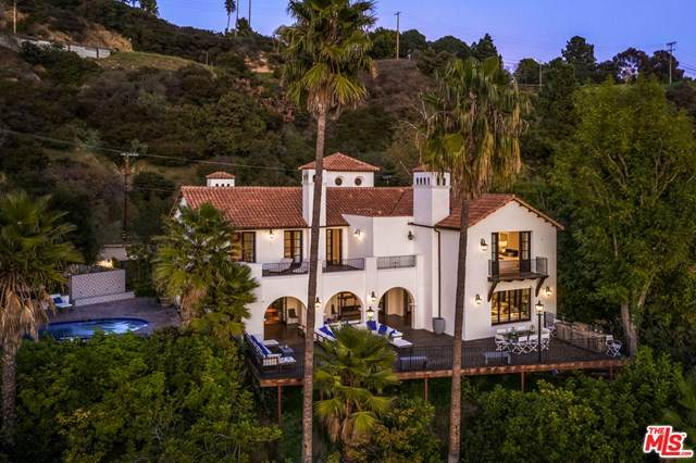 2819 Coldwater Canyon Drive, Beverly Hills, CA 90210 (#20650202) :: Team Forss Realty Group