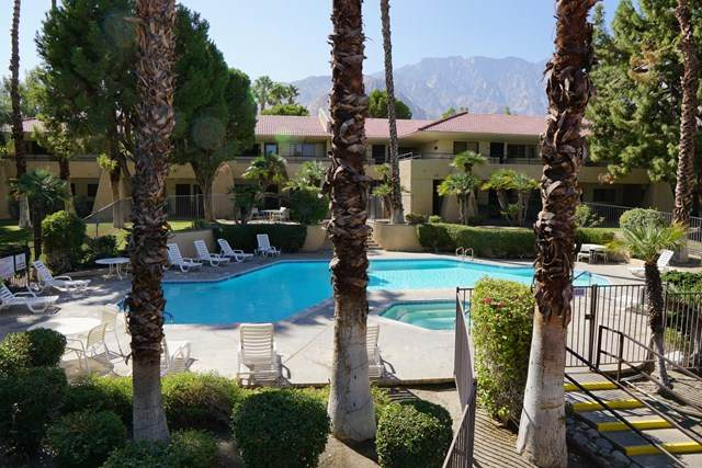 2822 N Auburn Court #213, Palm Springs, CA 92262 (#219051764PS) :: The Costantino Group | Cal American Homes and Realty