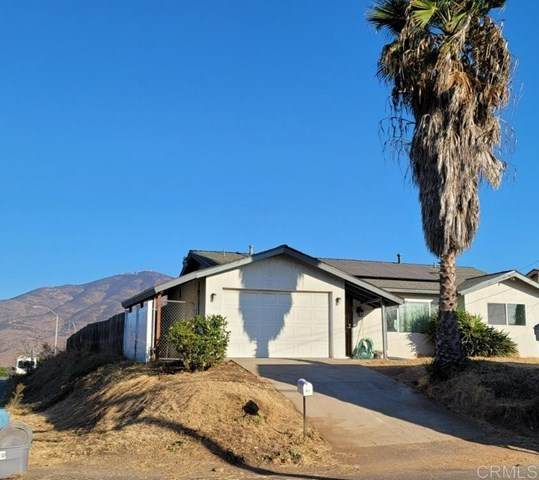 421 La Presa Avenue, Spring Valley, CA 91977 (#NDP2001641) :: Go Gabby