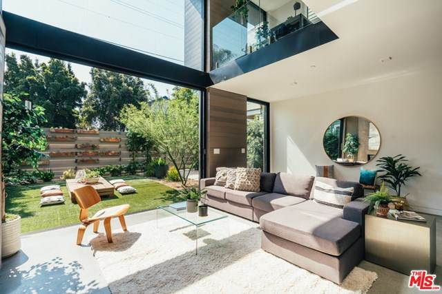 213 Horizon Avenue, Venice, CA 90291 (#20646978) :: The Veléz Team