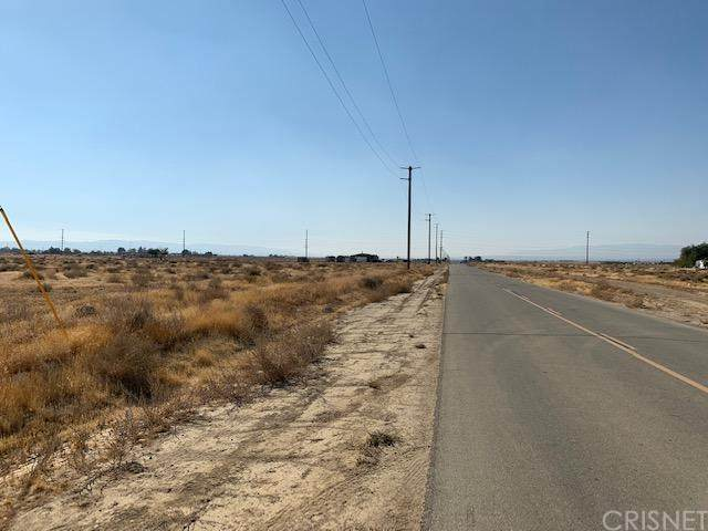 2455 W 58th Street, Rosamond, CA 93560 (#SR20223400) :: RE/MAX Empire Properties