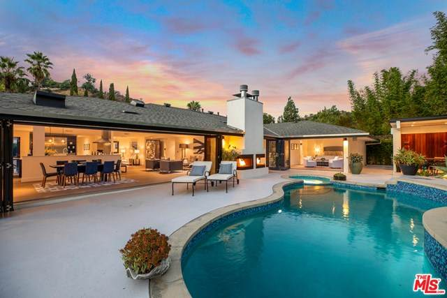 7508 Devista Drive, Los Angeles (City), CA 90046 (#20643472) :: Berkshire Hathaway HomeServices California Properties