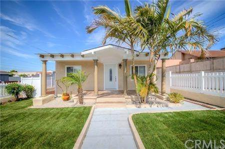 416 S Grand Avenue, San Pedro, CA 90731 (#SB20224456) :: Millman Team