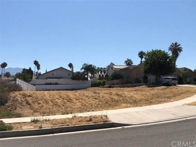 321 Silvertree Lane, Redlands, CA 92374 (#PW20221860) :: Mainstreet Realtors®