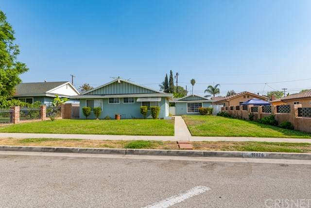 10876 Arleta Avenue, Mission Hills (San Fernando), CA 91345 (#SR20224634) :: eXp Realty of California Inc.