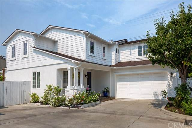 2441 Elden Avenue D, Costa Mesa, CA 92627 (#OC20169902) :: Team Forss Realty Group