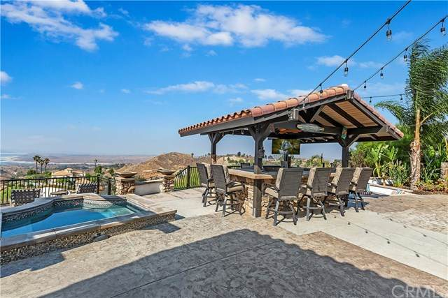 20999 Via Liago, Lake Mathews, CA 92570 (#IV20224020) :: eXp Realty of California Inc.