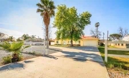 1050 N Perris Boulevard, Perris, CA 92571 (#OC20224881) :: A|G Amaya Group Real Estate