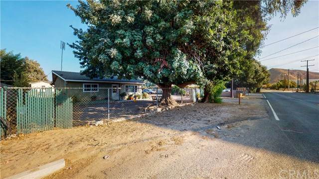 10653 Tamarind Avenue, Bloomington, CA 92316 (#CV20221335) :: Zutila, Inc.