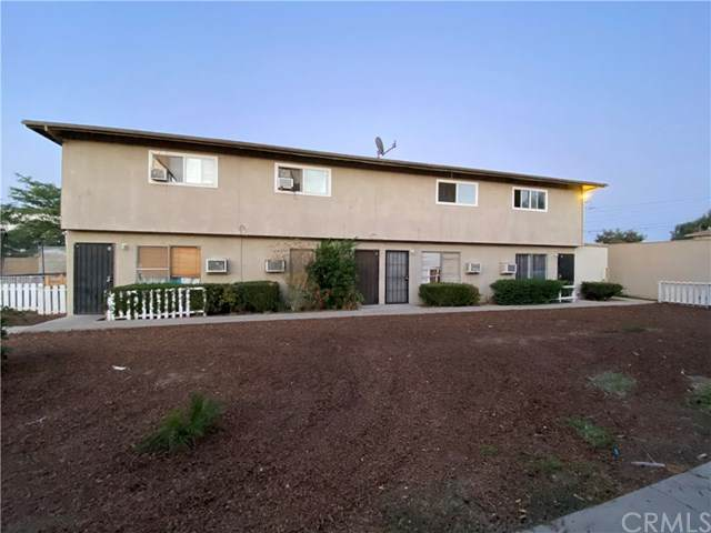 939 N Vicentia Avenue, Corona, CA 92878 (#IG20223105) :: The Miller Group