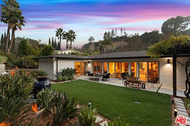 3154 Laurel Canyon Boulevard, Studio City, CA 91604 (#20651346) :: The Results Group