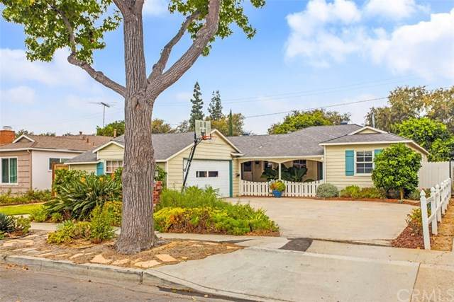 523 W Park Lane, Santa Ana, CA 92706 (#OC20225095) :: eXp Realty of California Inc.