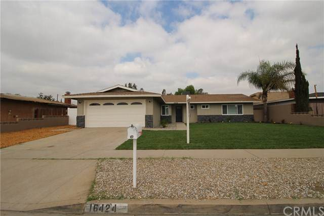 16424 Fontlee Lane, Fontana, CA 92335 (#CV20225243) :: The Alvarado Brothers