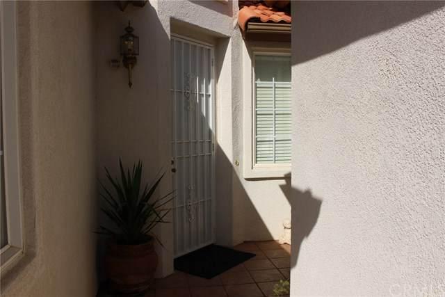 838 Saint Barthelemy Drive, Hemet, CA 92543 (#SW20223991) :: Compass